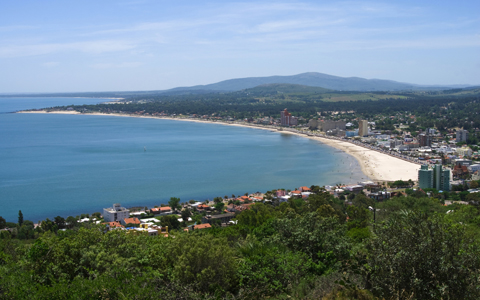ville sur bord de plage Piriapolis bay River Plate Uruguay